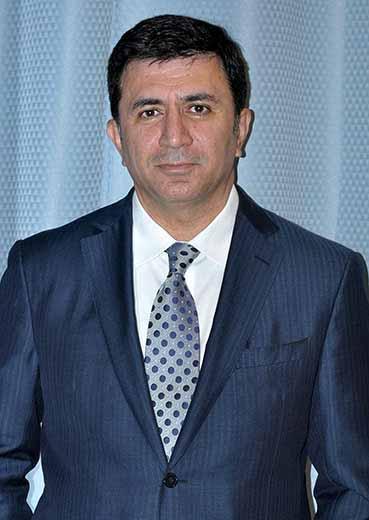 Dr. Maan Kattash: Cirujano Plástico de Los Angeles